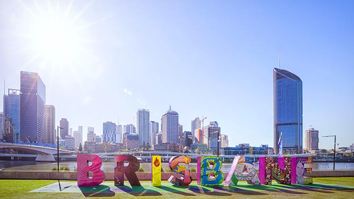 Brisbanesignsunshine_20170904_wide